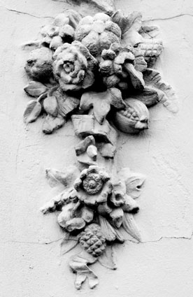 Kew stucco detail